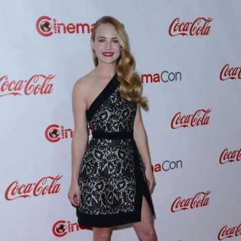 Britt-Robertson-2015-CinemaCon-Big-Screen-Achievement-Awards-01-662×949