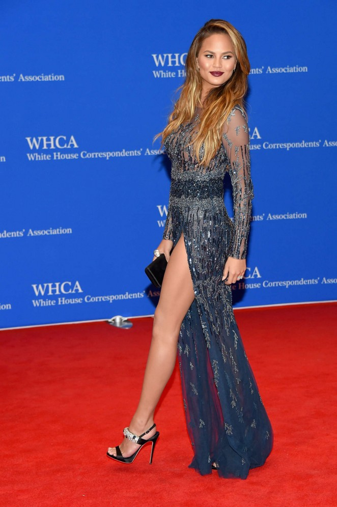 Chrissy-Teigen in- Zuhair -Murad--2015-White-House-Correspondents-Association-Dinner-