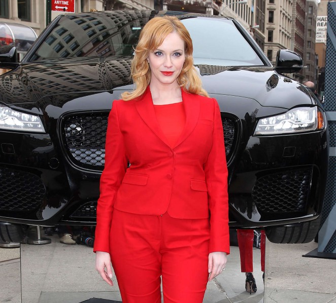 christina-hendricks-jaguar-2016-xf-sedan-unveiling-in-ny