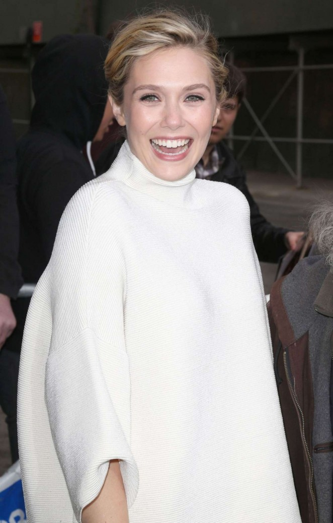 elizabeth-olsen-in-the-row-daily-show