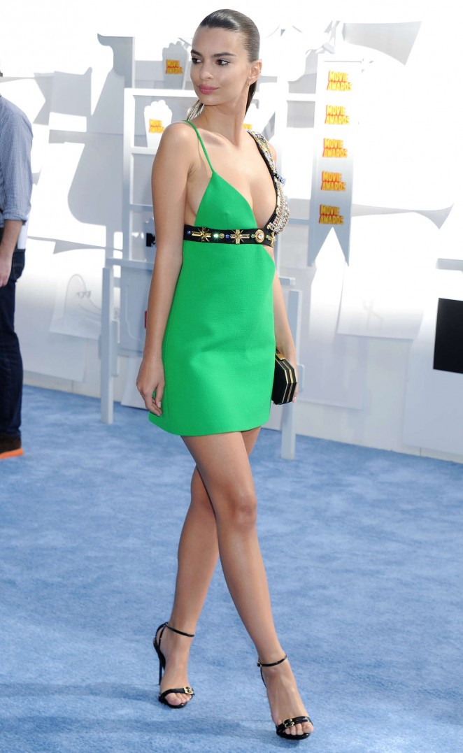 emily-ratajkowski-fausto-puglisi-2015-mtv-movie-awards