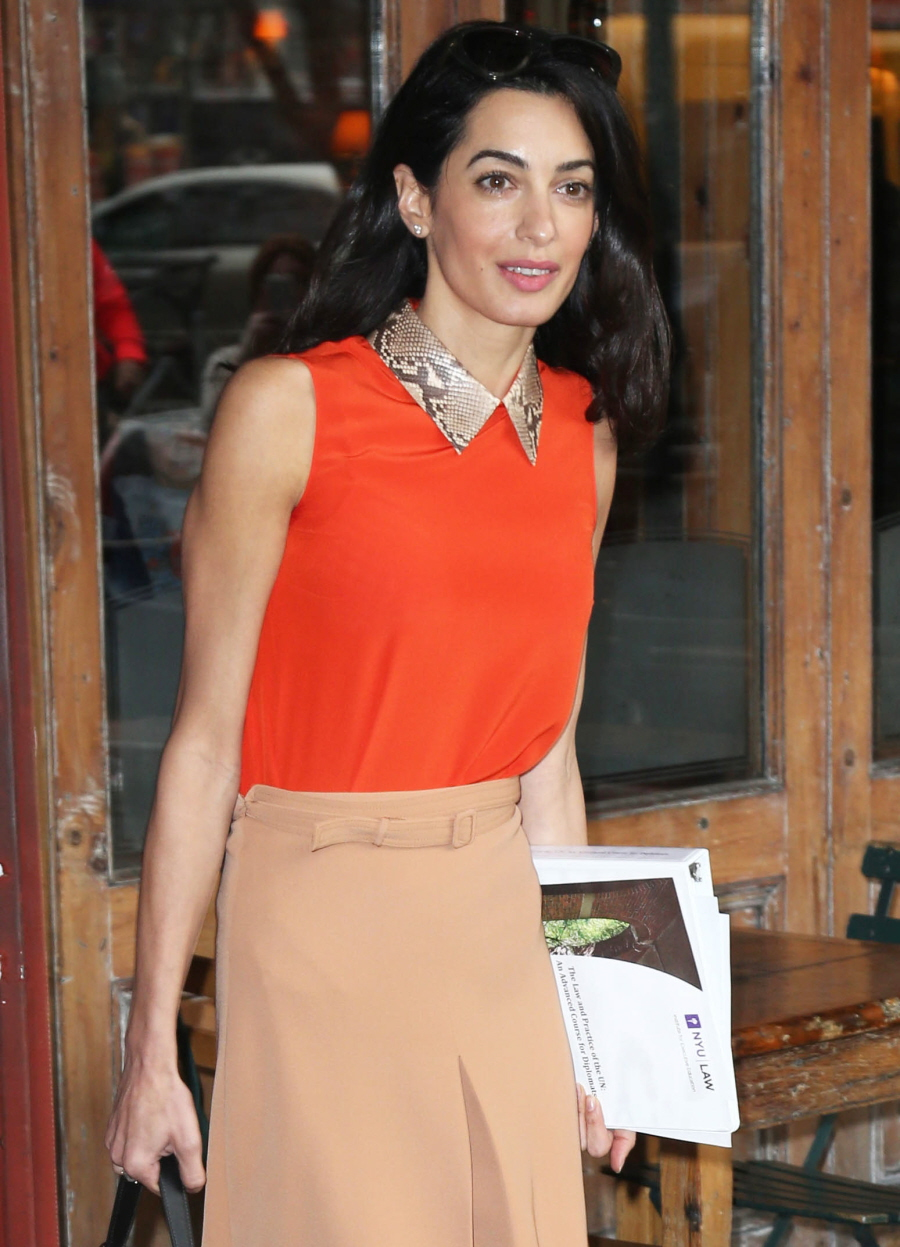 amal-clooney-in-gucci-out-in-new-york-city