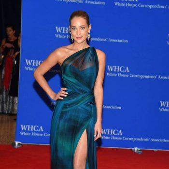 Hannah-Davis-2015-White-House-Correspondents-Association-Dinner-06-662×997