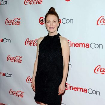 Julianne-Moore-2015-CinemaCon-Big-Screen-Achievement-Awards-12-662×1019-1