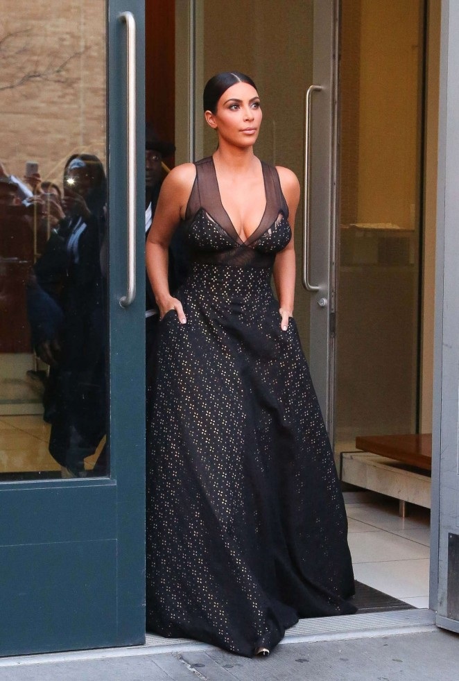 kim-kardashian-in-sophie-theallet-2015-time-100-gala