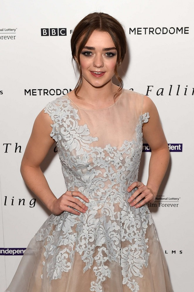 maisie-williams-in-narces-the-falling-gala-screening