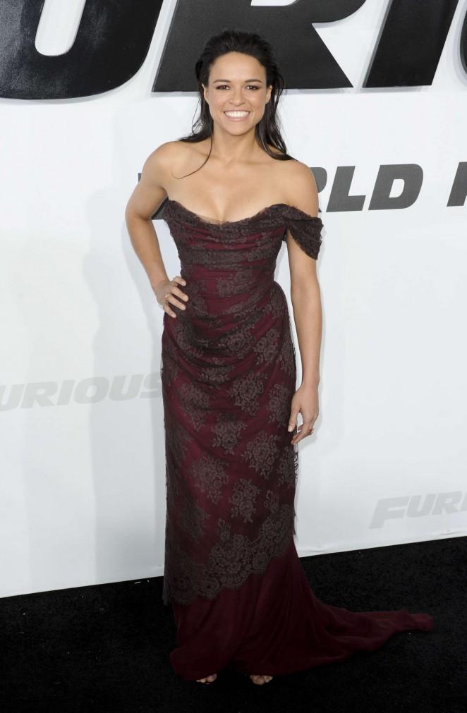 Michelle-Rodriguez-Furious-7-LA-Premiere-10-662×1011