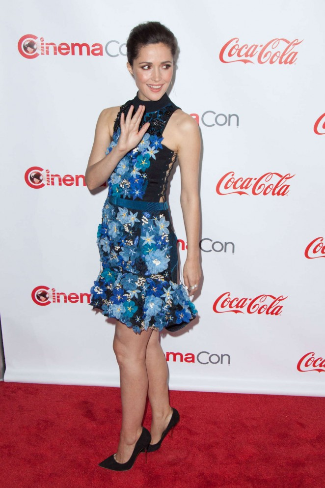 od heels, rose-byrne-in-preen-cinemacon-2015