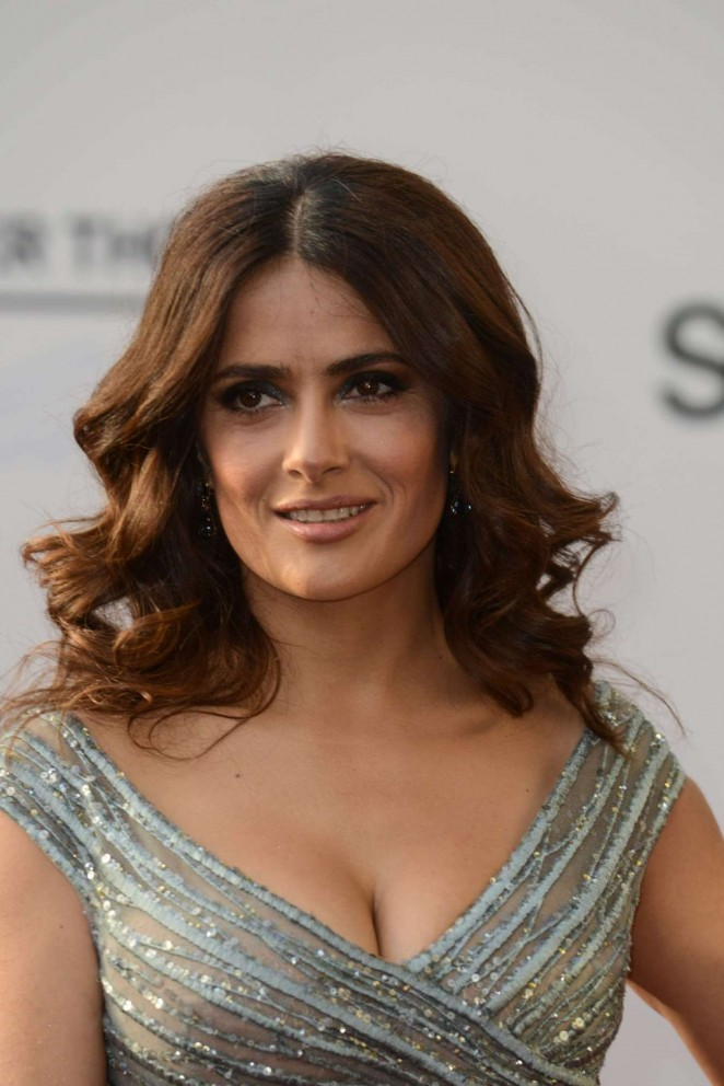 salma-hayek-in-elie-saab-couture-alexander-mcqueen-the-prophet-beirut-premiere-photocall