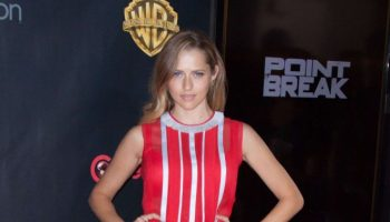 Teresa-Palmer-WB-2015-Cinemacon-Press-Line-21-662×993