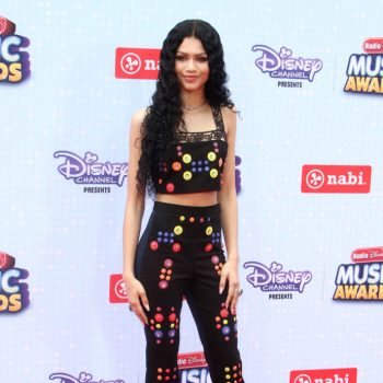 Zendaya-Colemans-2015-Radio-Disney-Music-Awards-Peter-Pilotto-Spring-2015-Button-Embellished-Crop-Top-and-Matching-Pants-689×1000