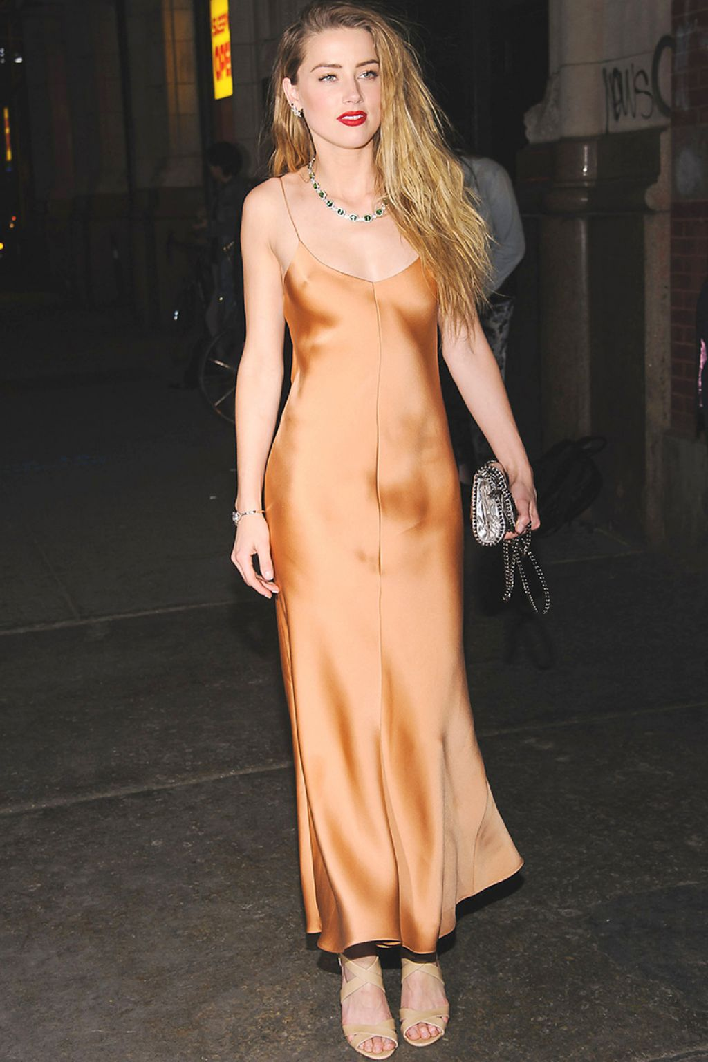 amber-heard-in-the-row-2015-tiffany-blue-book-dinner/