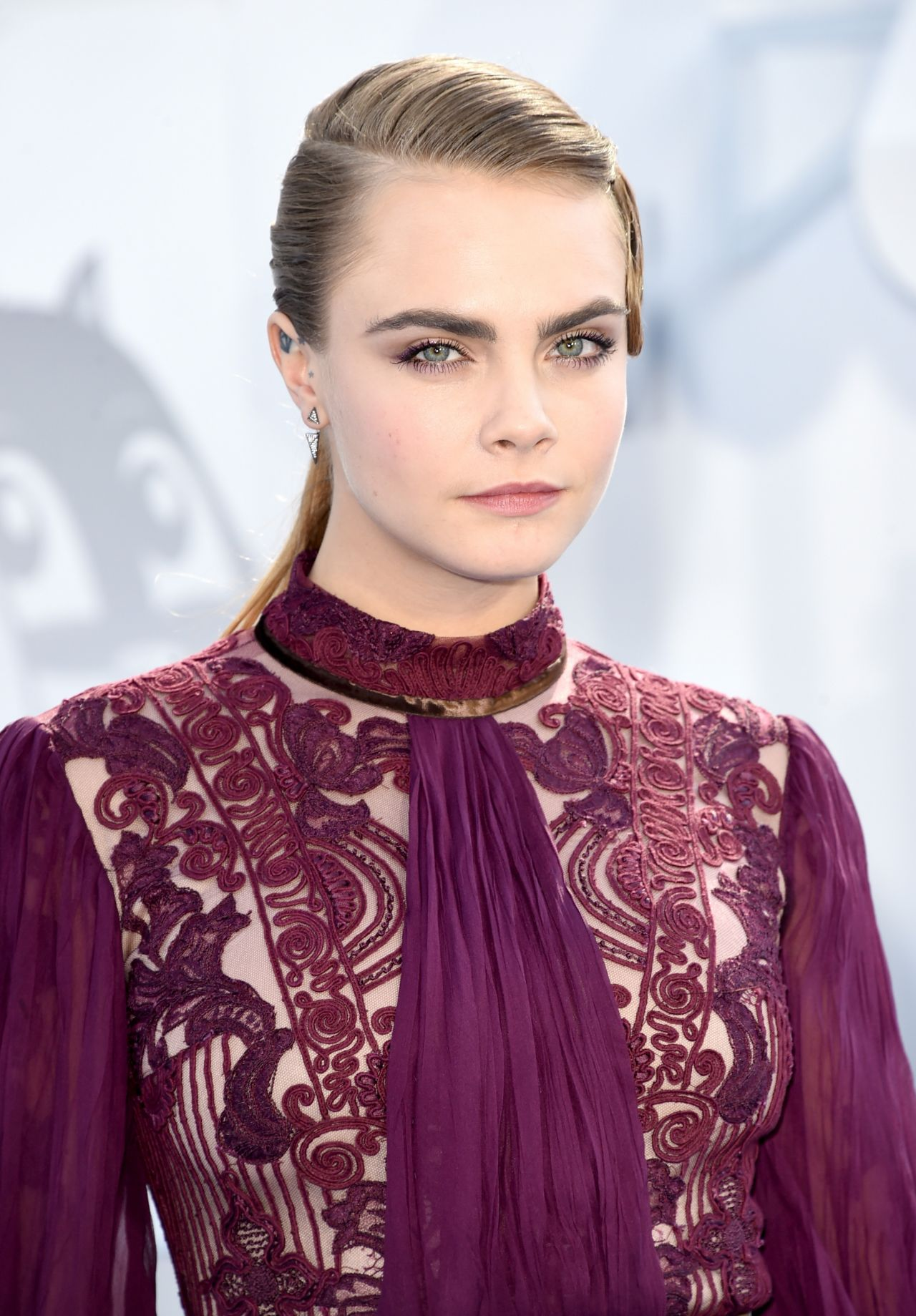 cara-delevingne-2015-mtv-movie-awards-in-los-angeles_