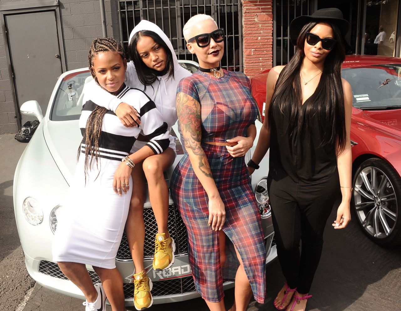 christina-milian-karrueche-tran-and-amber-rose-get-ready-to-go-to-coachella-in-los-angeles_6