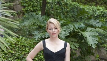 elizabeth-banks-at-pitch-perfect-2-photocall-in-rome_3