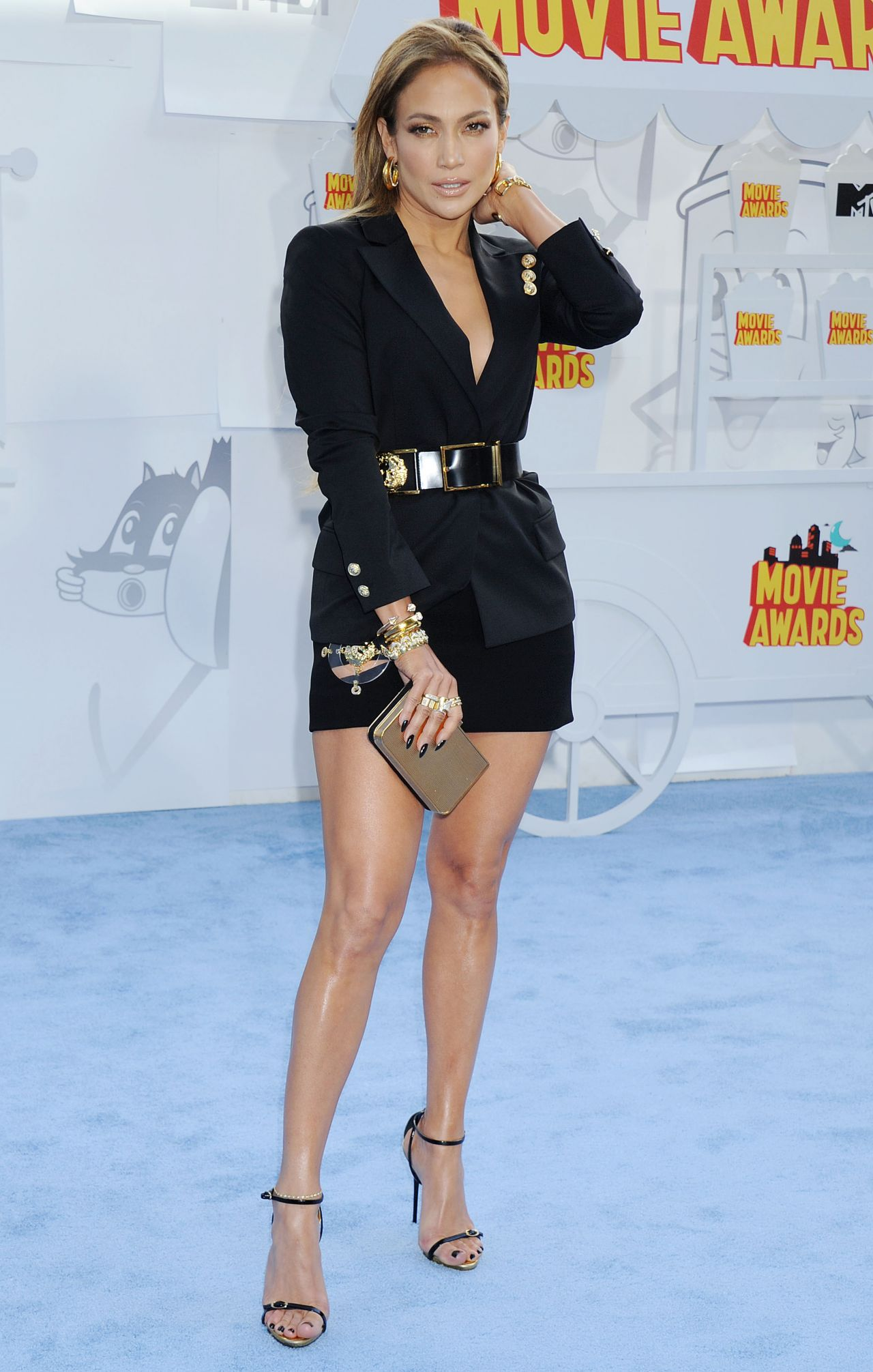 jennifer-lopez-versus-versace-2015-mtv-movie-awards