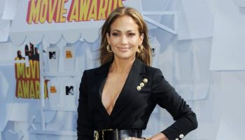 jennifer-lopez-2015-mtv-movie-awards-in-los-angeles_1_thumbnail