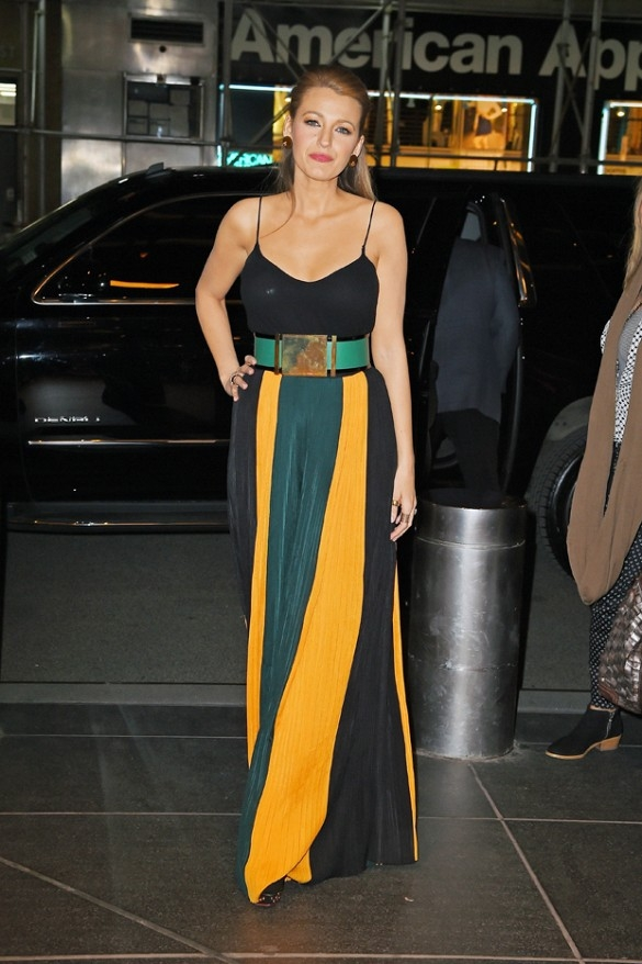 Blake-Lively-In-Balmain–Out-in-New-York-City