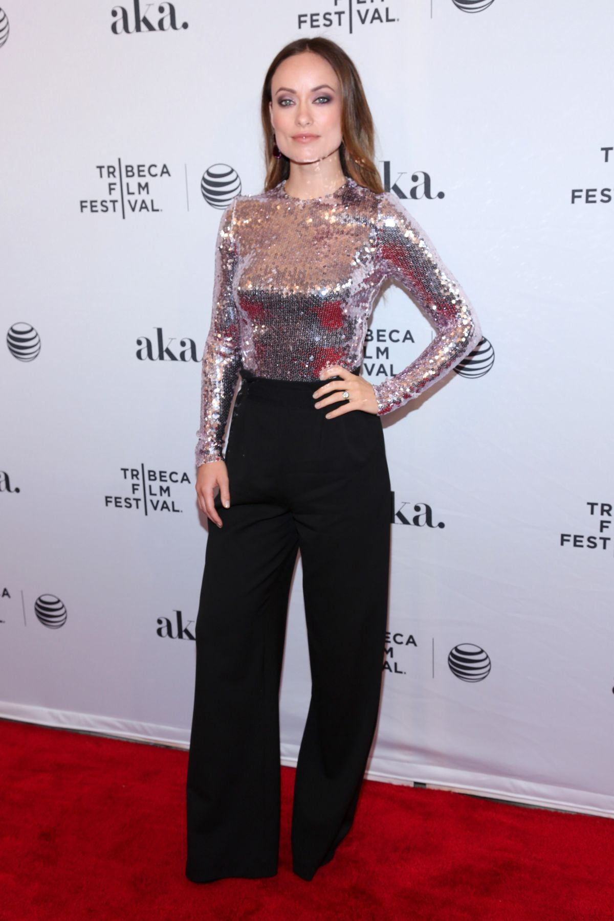 olivia-wilde-at-meadowland-premiere-at-tribeca-film-festival-in-new-york_2