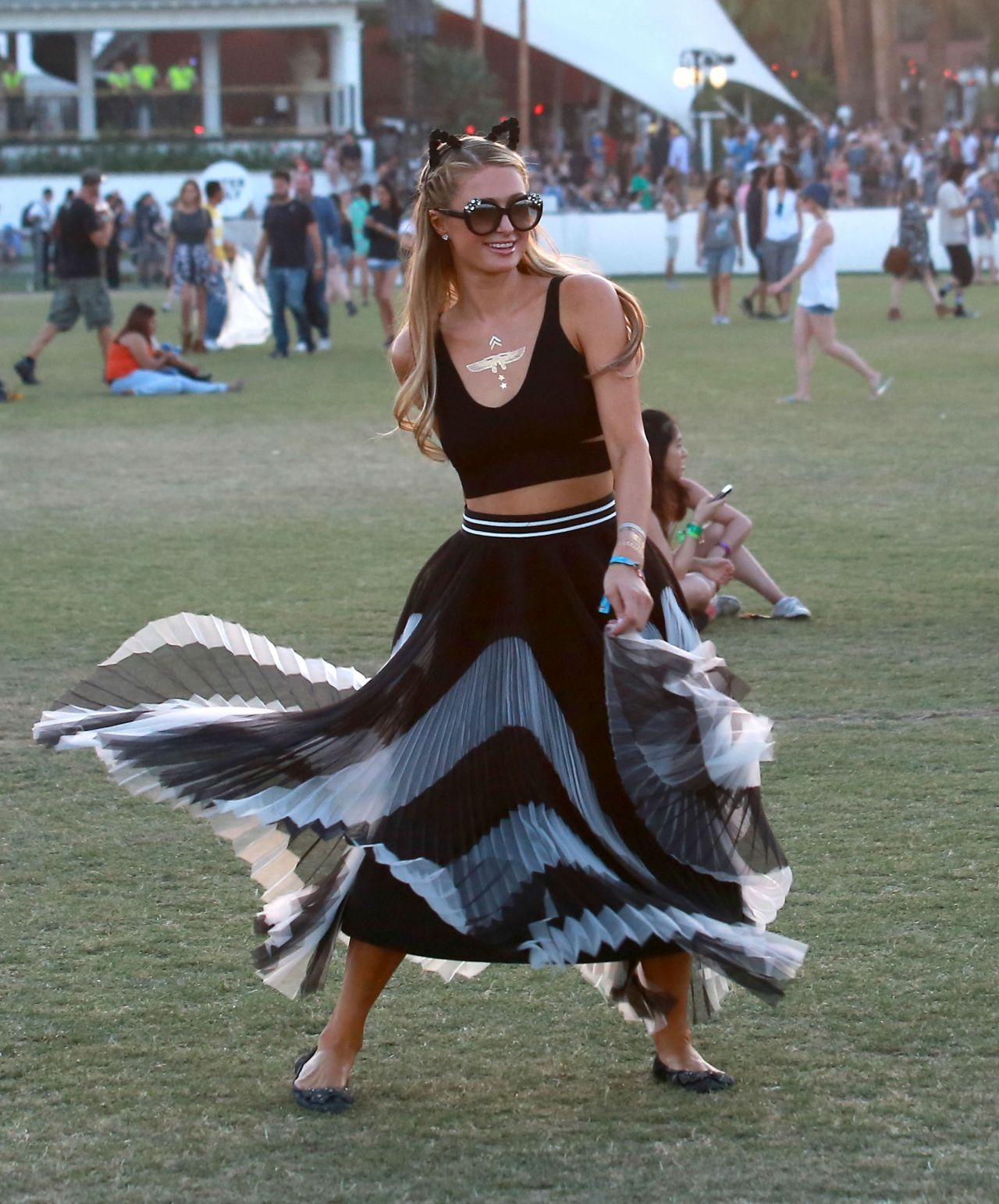 paris-hilton-coachella-music-arts-festival-2015_7