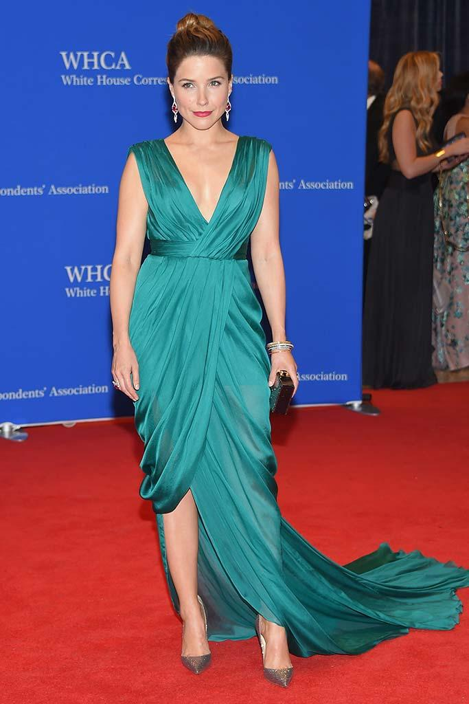 sophia-bush-monique-lhuillier-2015-white-house-correspondents-association-dinner