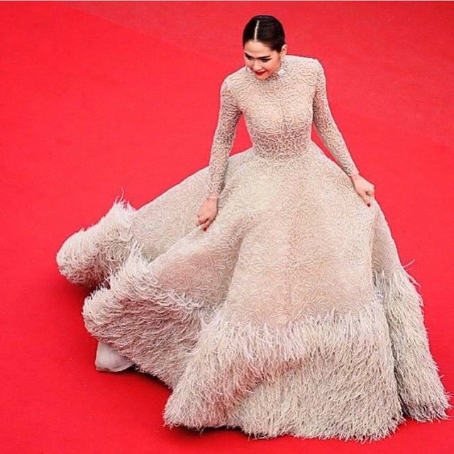 Araya- A -Hargate- in -Ashi -Studio -Couture- cannes