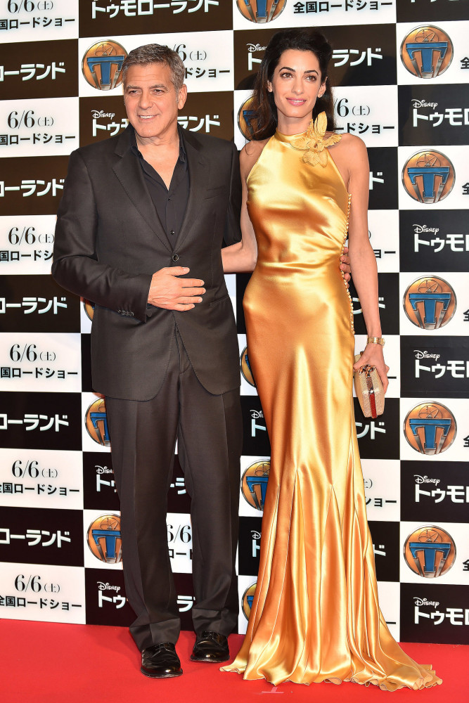 amal-clooney-in-maison-margiela-at-the-tomorrowland-tokyo-premiere