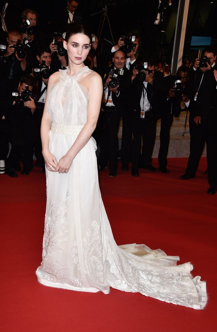 rooney-mara-in-olivier-theyskens-for-rochas-carol-cannes-film-festival-premiere
