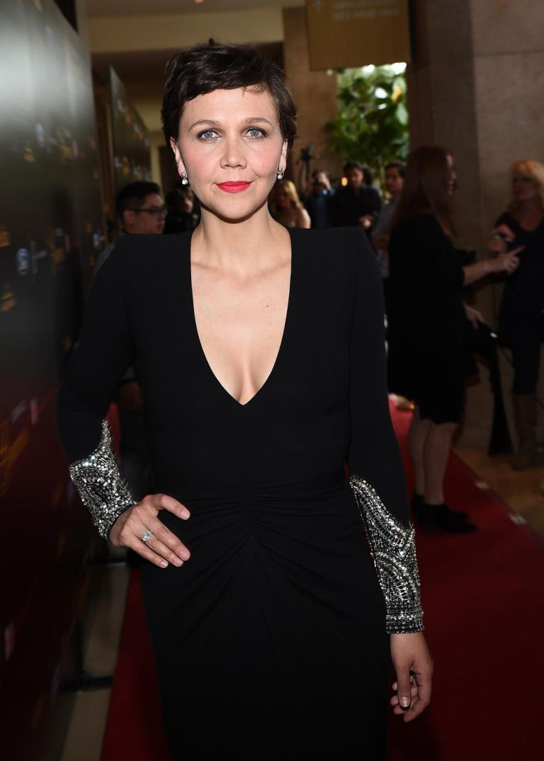 maggie-gyllenhaal-alexander-mcqueen-40th-anniversary-gracies-awards