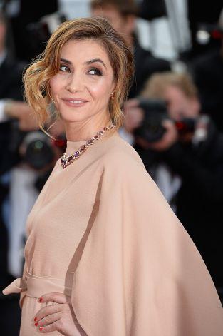 clotilde-courau-in-valentino-couture-la-tete-haute-cannes-film-festival-premiere-opening-ceremony
