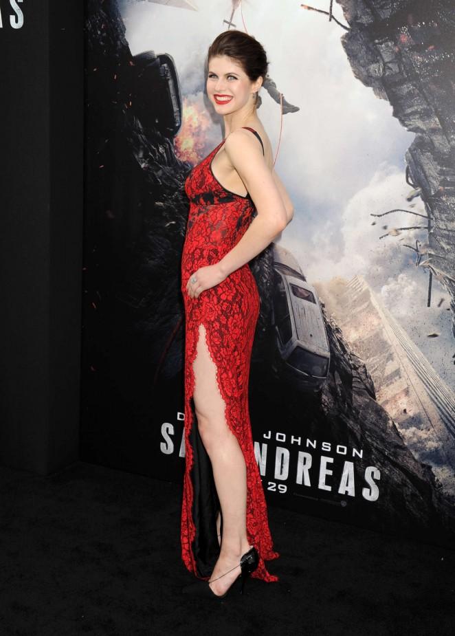 Alexandra-Daddario--San-Andreas-Premiere--
