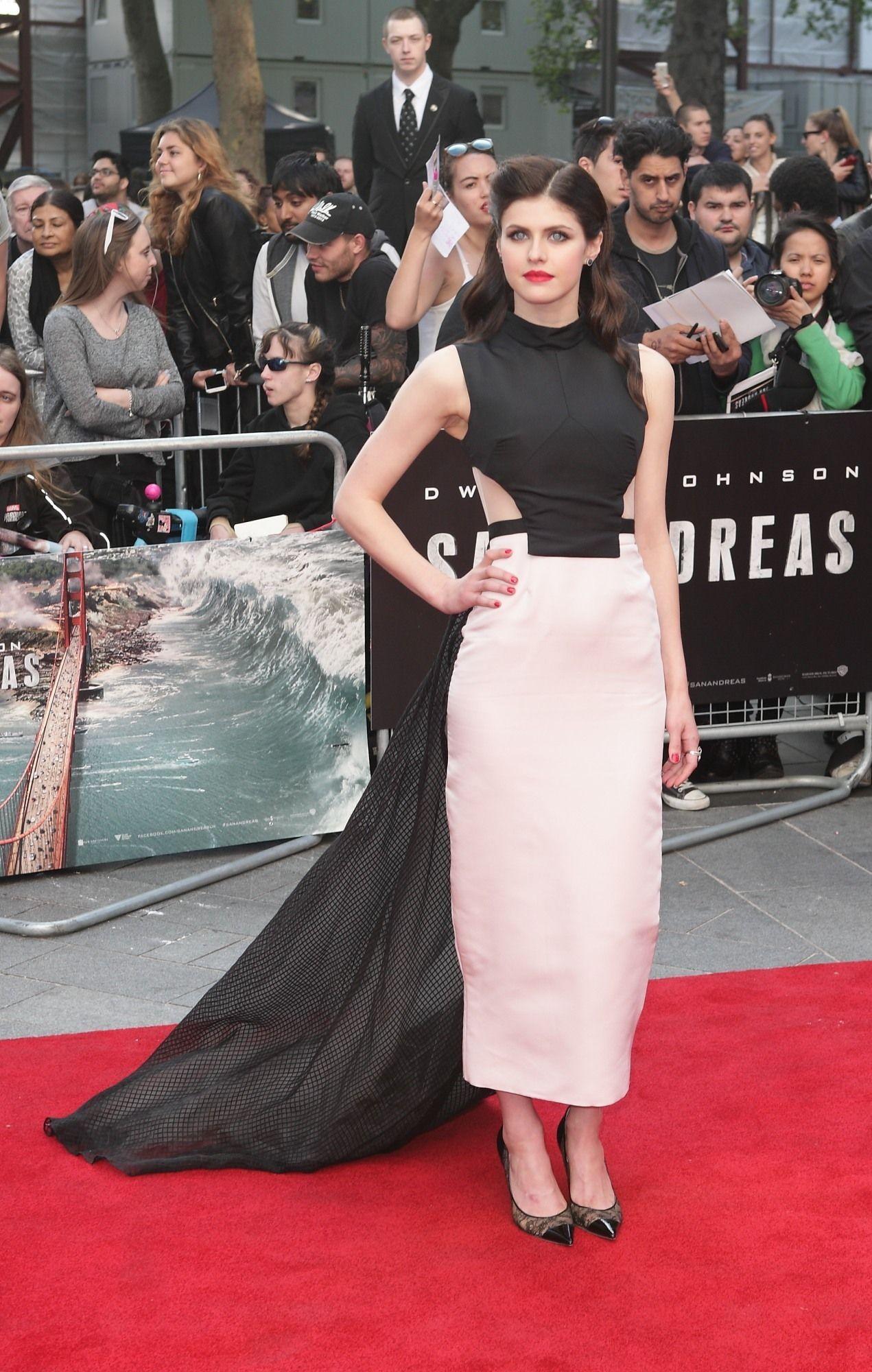 Alexandra-Daddario-at-San-Andreas-Premiere-in-London-5