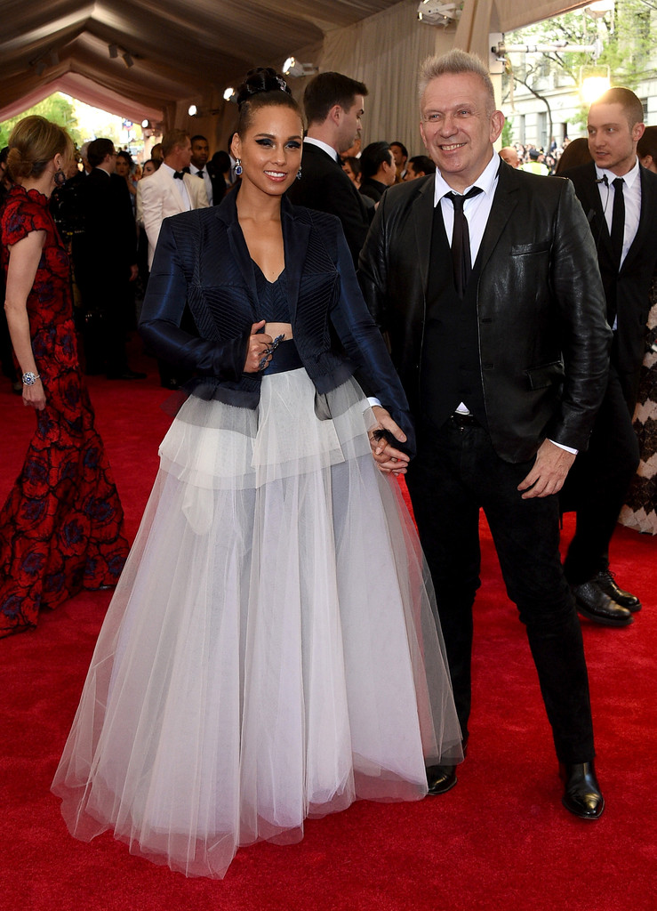 Alicia-Keys-2015-Met-Gala-Wearing-Jean-Paul-Gaultier-Couture-