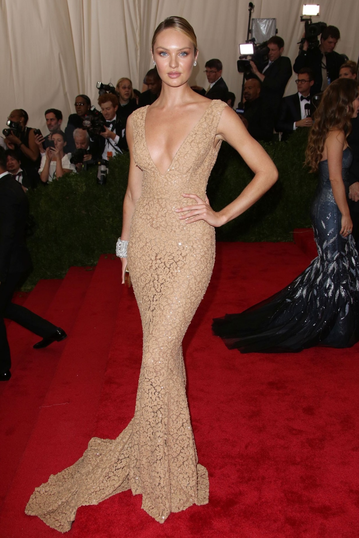 Candice-Swanepoel-in- michael-kors-The-Met-Gala-2015-