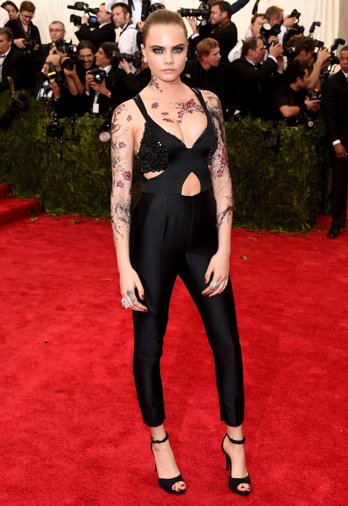Cara- Delevingne-stella-mcCartney-at -the- 2015- Met-Gala-