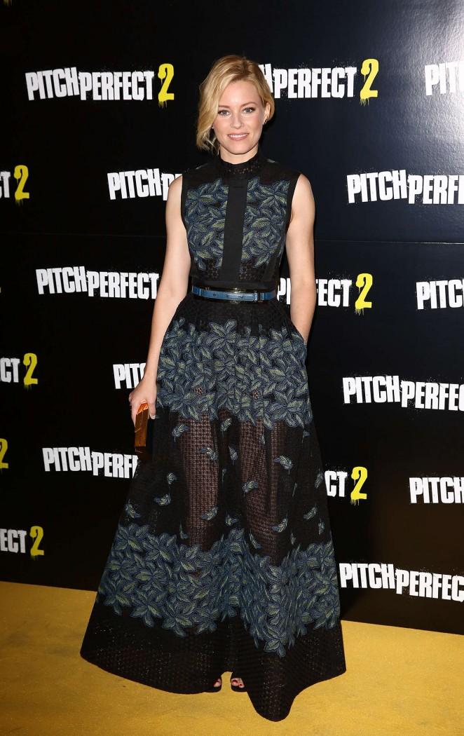 Elizabeth-Banks-in- Elie -Saab-Pitch-Perfect-2-UK-Screening-