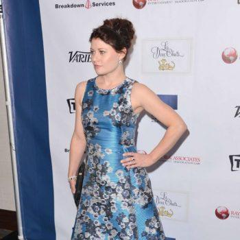 Emilie-de-Ravin-2015-TMA-Heller-Awards-05-662×993