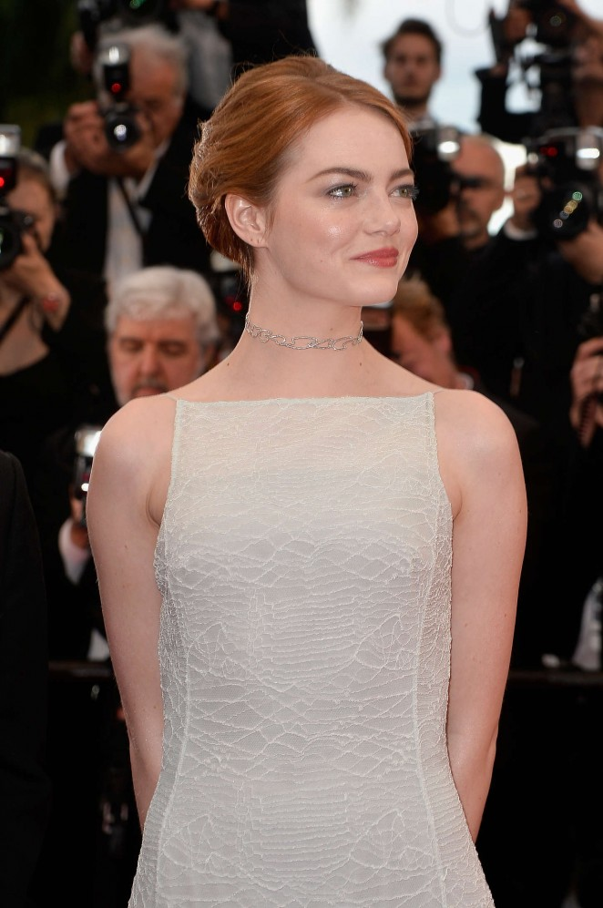 emma-stone-in-christian-dior-couture-irrational-man-cannes-film-festival-premiere