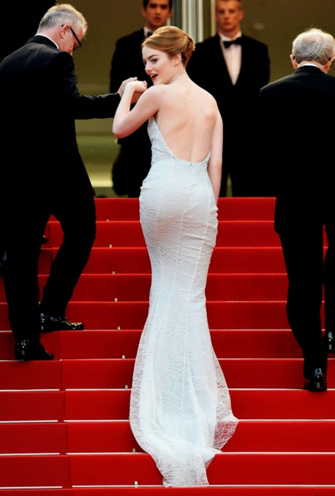 emma-stone-in-christian-dior-couture-irrational-man-cannes-film-festival-premiere/