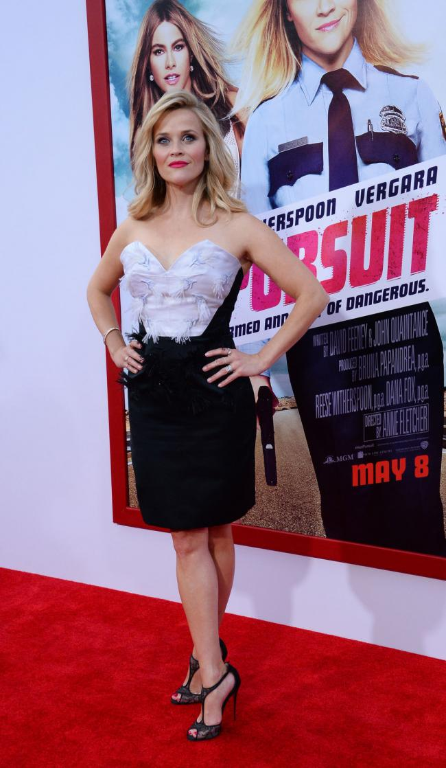 Reese- Witherspoon- in - Prabal- Gurung -at- the -'Hot -Pursuit'- LA -Premiere -