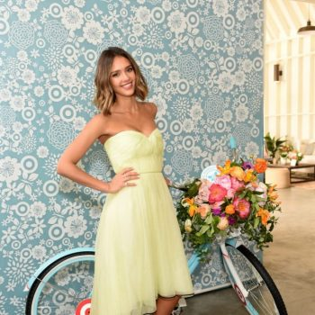 Jessica-Alba-The-Honest-Company-at-Target-One-Year-Anniversary-02-662×907