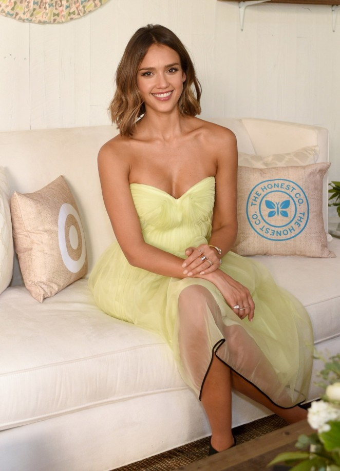 jessica-alba-monique-lhuillier-honest-company-target-one-year-anniversary