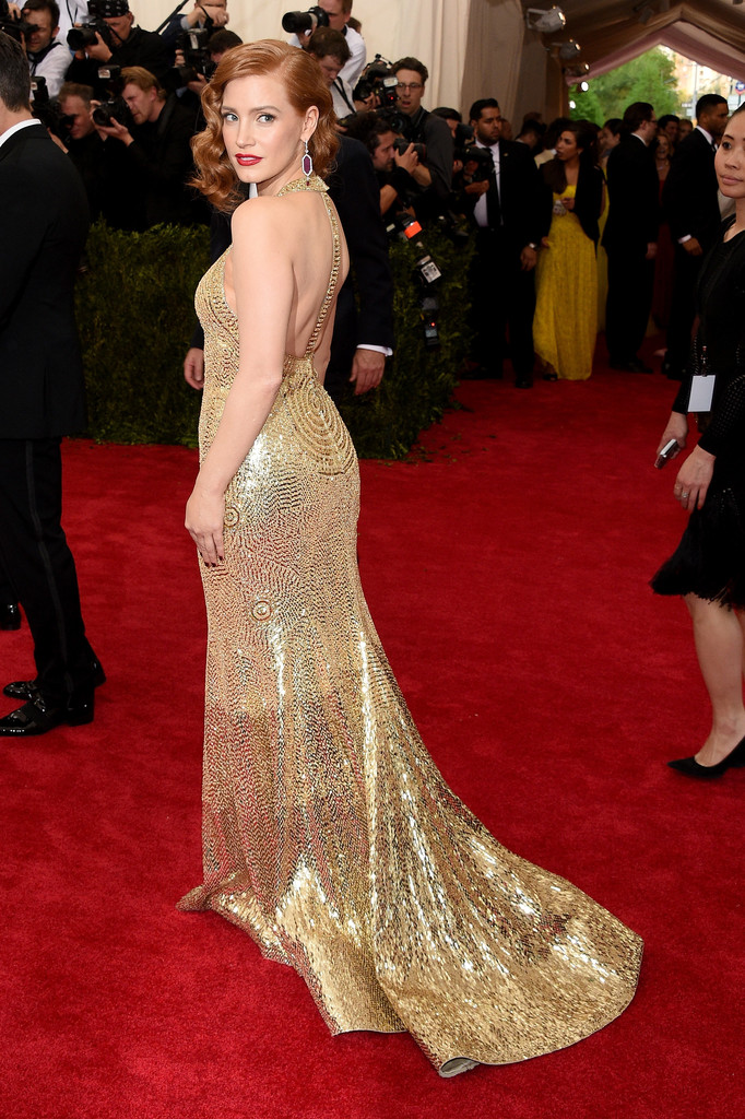Jessica-Chastain-2015-Met-Gala-Wearing-Givenchy-gold-