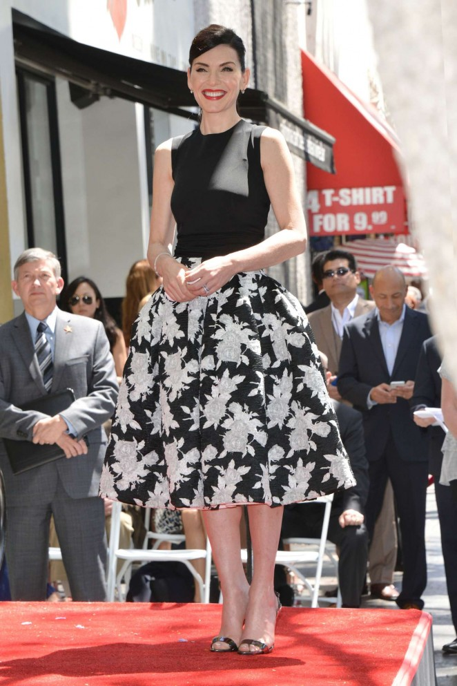 Julianna-Margulies -in - Oscar- de- la -Renta- Being-honored-with-a-Star-on-the-Hollywood-Walk-of-Fame