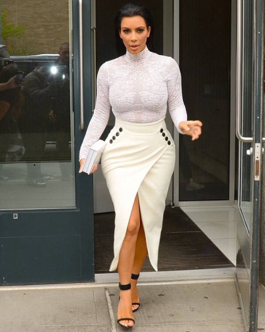 Kim-Kardashians-Selfish-Book-Signing-Christian-Dior-Lacy-Bodysuit-White-Pencil-Skirt-and-Celine-Black-Sandals-1