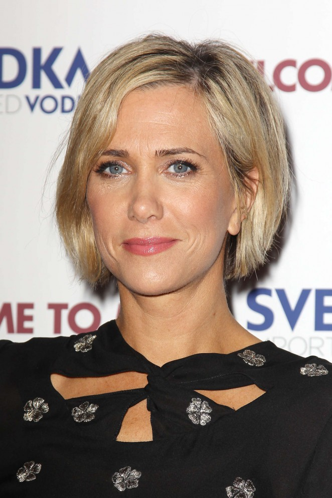 Kristen-Wiig-in-Jill -Stuart-and -Markus -Lupfer-at- Welcome-To-Me-NY-Premiere