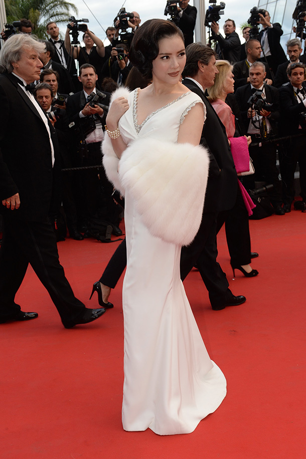 LY- NHA-KY-Georges-Hobeika-stunned-in-Cannes-Festival