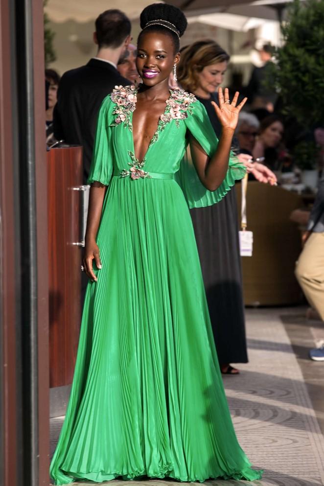 Lupita-Nyongo-in-Green-Dress-03-662×993