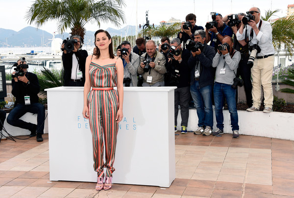 marion-cotillard-in-ulyana-sergeenko-couture-at-the-macbeth-68th-cannes-film-festival-photocall