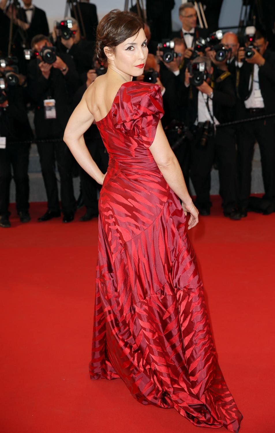 noomi-rapace-in-vivienne-westwood-the-sea-of-trees-68th-cannes-film-festival-premiere